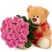 Розовые розы и Мишка